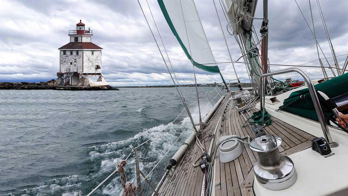 Great Lakes Sailing in Thunder Bay